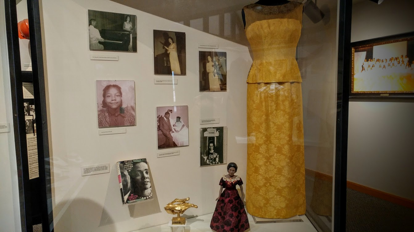 Coretta's beautiful dress and pictures